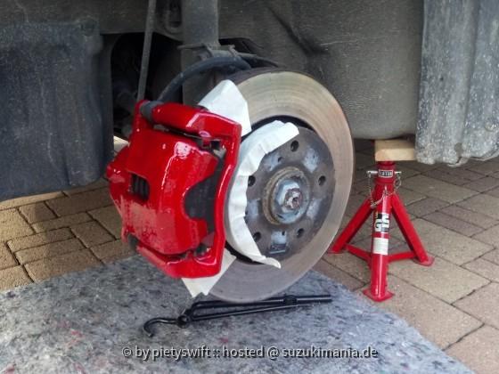 Das kleine Schwarze Bremsen rosso rot vorne