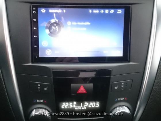 Kizashi Android Radio + OEM 2 DIN Blende